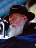 Rabbi_Menachem_Mendel_Schneerson2_crop